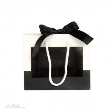 Geschenktasche mit Fenster, Henkeln und Schleife, schwarz