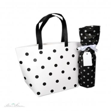 Handtasche aus Papier, dekoriert mit Washi-Dots, nicht im Lieferumfang enthalten.