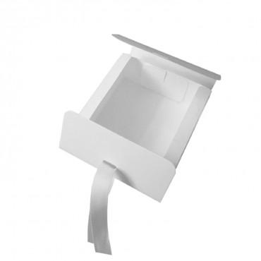 Geschenkbox mit Schleife, Kraftkarton, weiß, 11,5 x 5 x 11,5 cm