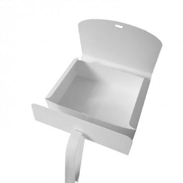 Geschenkbox mit Schleife, Kraftkarton weiß, 16,5 x 5 x11,5 cm, schlicht und edel