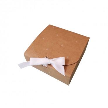 Geschenkbox mit Schleife, Kraftkarton braun mit weißen Dreiecken, 11,5 x 5 x 11,5