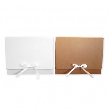 Geschenkbox mit Schleife, 20 x 25 x 8 cm, kraftbraun / weiß, Faltschachtel